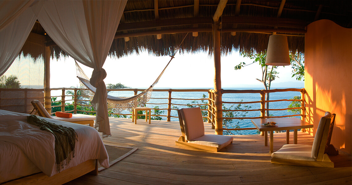Xinalani Retreat Accommodation: Beachfront Eco-Chic Suite